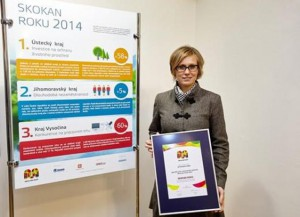 Ocenění za Ústecký kraj převzala zástupkyně ředitele krajského úřadu Monika Zeman