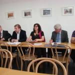 Představitelé ČSSD pozorně naslouchají představitelům RS ČR